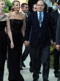 Charlene Wittstock ve Prens Albert, Monaco, Amber Lounge Fashion