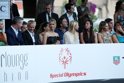 Eddie Irvine, Heikki Kovalainen, Team Lotus, Vivian Sibold kız arkadaşı, Nico Rosberg (GER, Amber Lo