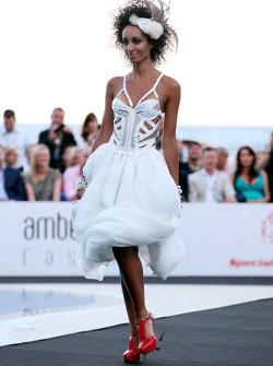 Ladies modeling, Amber Lounge Fashion
