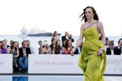 Laura Jordan, novia de Paul di Resta, Force India F1 Team, en el Amber Lounge Fashion
