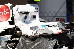 El auto de Sergio Pérez, Sauber F1 Team después de su accidente