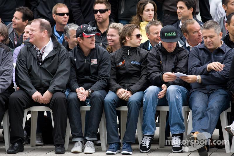 Chip Ganassi, Scott Dixon, Target Chip Ganassi Racing, Dan Wheldon, Bryan Herta Autosport with Curb