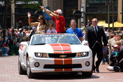 Indy 500 festival parade: Helio Castroneves, Team Penske