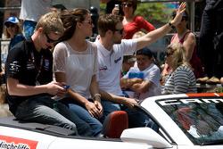 Indy 500 festival parade: Josef Newgarden, Sam Schmidt Motorsports and James Hinchcliffe, Newman / Haas Racing