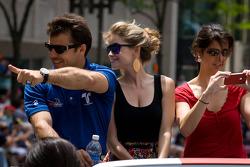 Indy 500 festival parade: Oriol Servia, Newman / Haas Racing