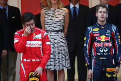 Podium: race winner Sebastian Vettel, Red Bull Racing, second place Fernando Alonso, Scuderia Ferrari, third place Jenson Button, McLaren Mercedes