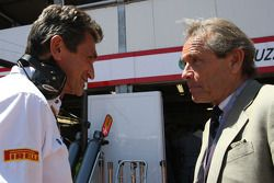 Jacky Eeckelaert, Hispania Racing F1 Team, director técnico y Jacky Ickx