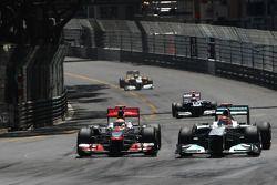 Lewis Hamilton, McLaren Mercedes y Michael Schumacher, Mercedes GP