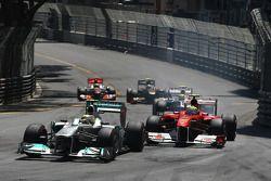 Nico Rosberg, Mercedes GP y Felipe Massa, Scuderia Ferrari