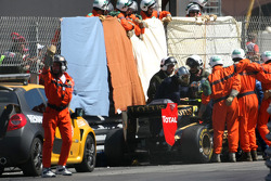 Vitaly Petrov, Lotus Renalut F1 Team kaza