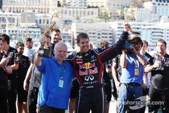Norbert Vettel, Red Bull Racing, Sebastian Vettel, Red Bull Racing, celebrates with the team