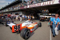 Coche de Dan Wheldon, Bryan Herta Autosport with Curb / Agajanian toma la parrilla de salida
