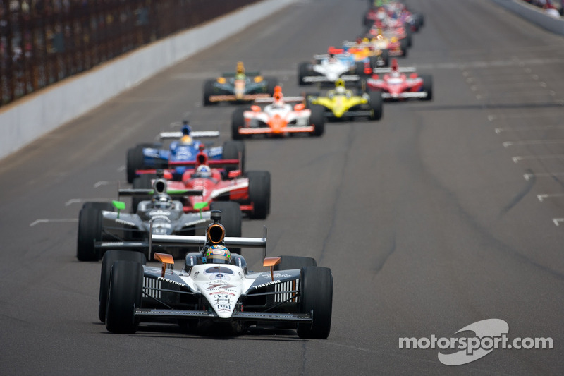 2011: Alex Tagliani aan de leiding bij ingaan van de tweede ronde