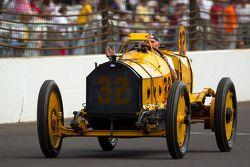 Marmon Wasp bestuurd door Parnelli Jones