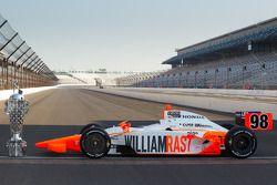 Fotoshoot: de winnende wagen van Dan Wheldon, Bryan Herta Autosport with Curb / Agajanian