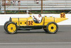 Parnelli Jones in de Marmon Wasp, winnaar van de eerste ndianapolis 500