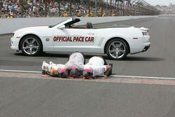 Ganador de la carrera Dan Wheldon, Bryan Herta Autosport with Curb / Agajanian celebra