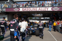 Coche de Tomas Scheckter, KV Racing Technology - SH Racing al pitlane