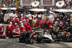 Pit stop for Alex Tagliani, Sam Schmidt Motorsports and Scott Dixon, Target Chip Ganassi Racing