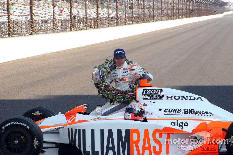 2011: Dan Wheldon, Bryan Herta Autosport