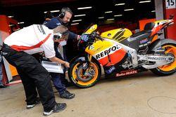 Repsol Honda Team pits