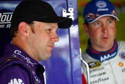 Matt Kenseth, Roush Fenway Racing Ford en Kurt Busch, Penske Racing Dodge