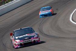Denny Hamlin, Joe Gibbs Racing Toyota en A.J. Allmendinger, Richard Petty Motorsports Ford