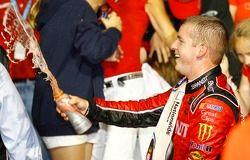 Victory lane: Justin Allgaier, Turner Motorsport Chevrolet celebrates