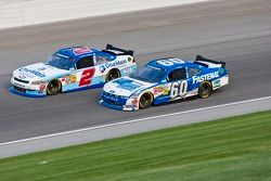 Elliott Sadler, Kevin Harvick Inc. Chevrolet and Carl Edwards, Roush-Fenway Ford