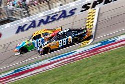 Kyle Busch, Joe Gibbs Racing Toyota en Carl Edwards, Roush Fenway Racing Ford