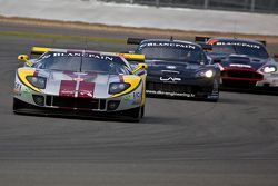 #41 Marc VDS Racing Ford GT Matech GT1: Maxime Martin, Frederic Makowiecki voor #47 DKR Engineering