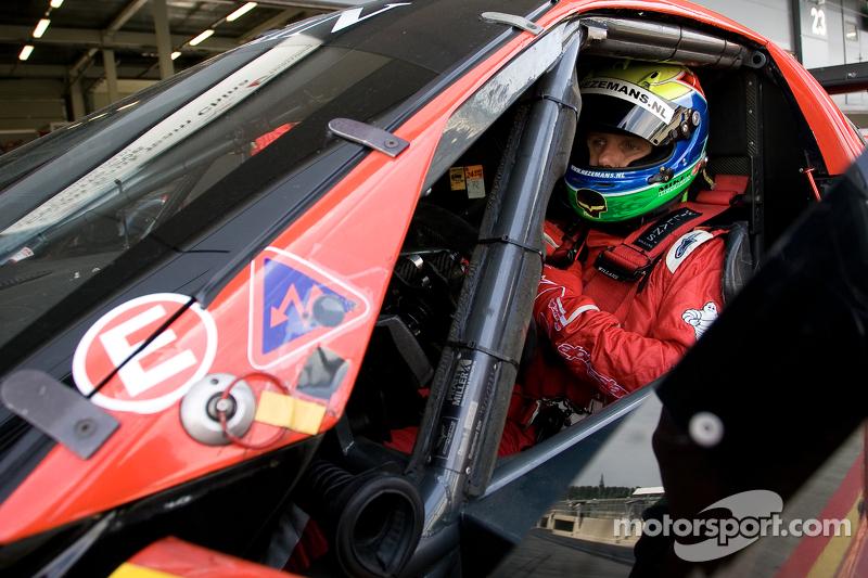 #11 Exim Bank Team China Corvette Z06 GT1: Mike Hezemans, Nick Catzburg