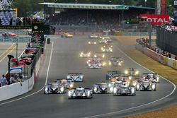 Départ : #2 Audi Sport Team Joest Audi R18 TDI: Marcel Fässler, Andre Lotterer, Benoit Tréluyer en tête