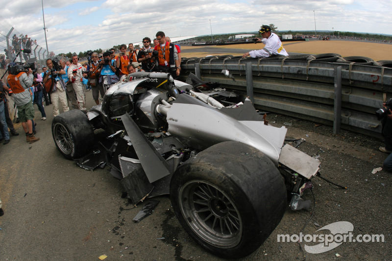 #3 Audi Sport North America Audi R18 TDI na crash Allan McNish
