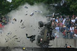Massive crash for #3 Audi Sport North America Audi R18 TDI: Rinaldo Capello, Tom Kristensen, Allan McNish
