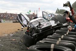После аварии: автомобиль Audi R18 TDI (№3) команды Audi Sport North America
