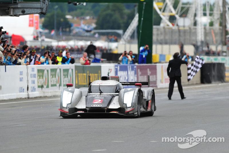 2011: Audi - Andre Lotterer, Timo Bernhard e Romain Dumas