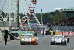 #70 Larbre Competition Porsche 911 RSR: Christophe Bourret, Pascal Gibon, Jean-Philippe Belloc, #76