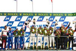 LM GTE Am podium: winnaars Patrick Bornhauser, Julien Canal, Gabriele Gardel, 2de Christophe Bourret