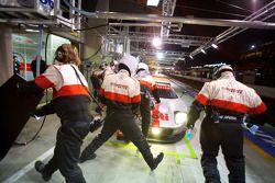 Pitstop #68 Robertson Racing Ford GT-Doran: David Robertson, Andrea Robertson, David Murry