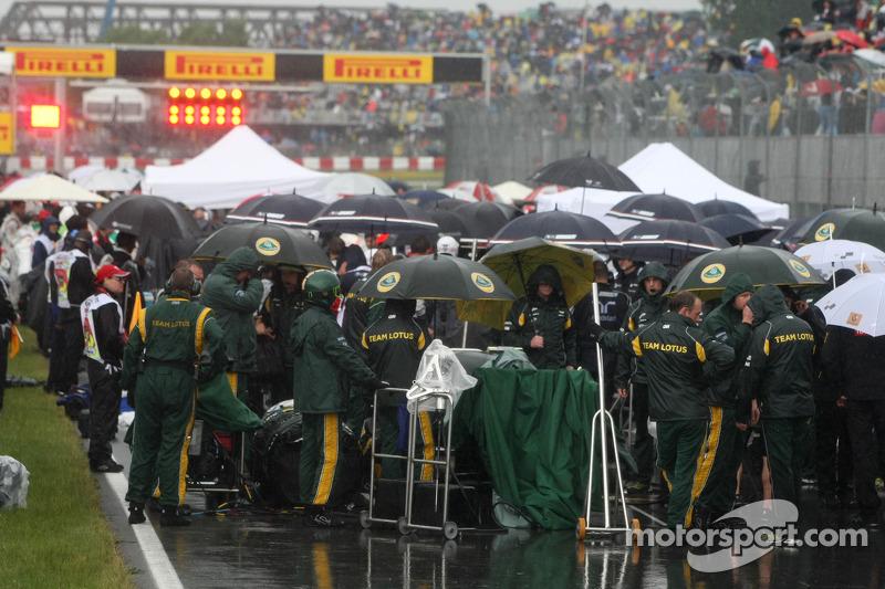 Montreal sediou a corrida mais longa da história da F1 em 2011. Devido à forte chuva, o GP durou 4h4min39seg contando com uma longa paralização com bandeira vermelha. Desde então, a F1 estabelece que o máximo que uma prova pode durar é quatro horas.