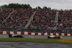 Paul di Resta, Force India F1 Team and Pastor Maldonado, AT&T Williams