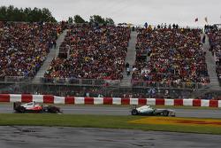 Nico Rosberg, Mercedes GP Petronas y Jenson Button, McLaren Mercedes