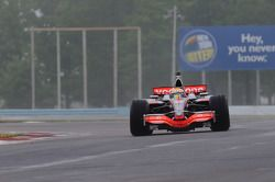 Lewis Hamilton en el McLaren MP4-23
