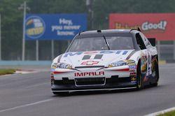 Tony Stewart in zijn Chevy Impala Sprint Cup car