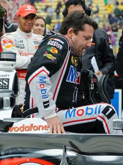 Tony Stewart entra en McLaren de Lewis Hamilton