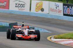 Tony Stewart im McLaren von Lewis Hamilton
