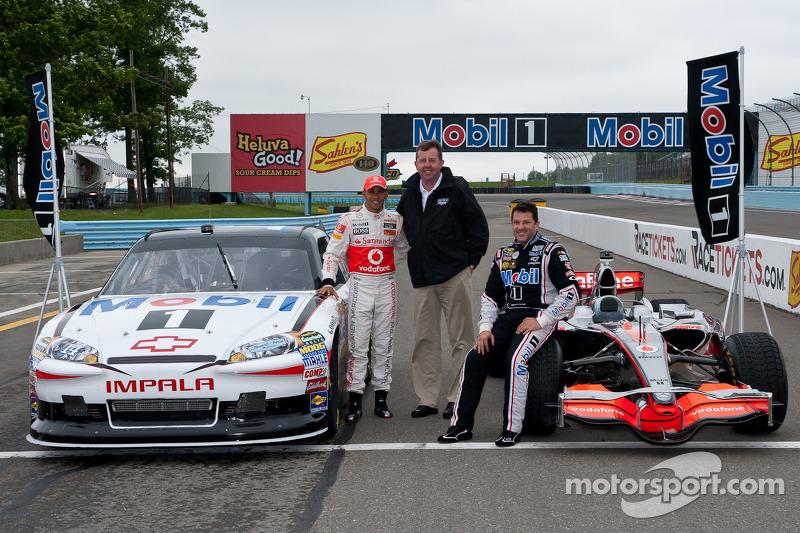 2011 год. Хэмилтон и Стюарт (Формула 1 и NASCAR)
