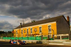 #10 Team Oreca Matmut Peugeot 908 HDI-FAP: Nicolas Lapierre, Loïc Duval, Olivier Panis