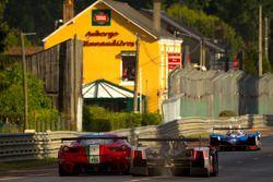 #39 Pecom Racing Lola B11/40-Judd BMW: Luis Perez Companc, Matias Russo, Pierre Kaffer, #51 AF Corse
